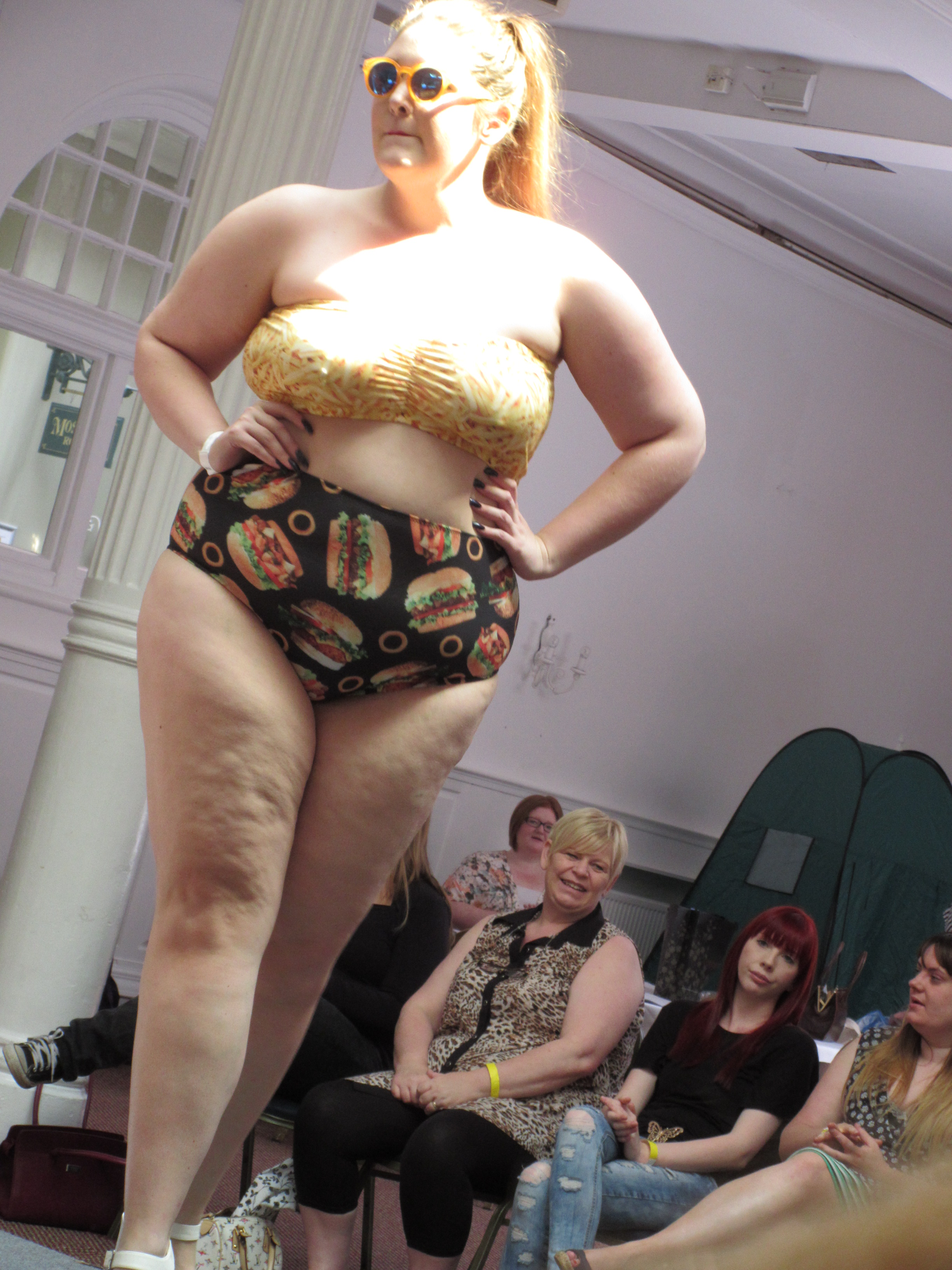 Chubby Cartwheels at on the lovely Sian - Winner of ModelXL 2015!