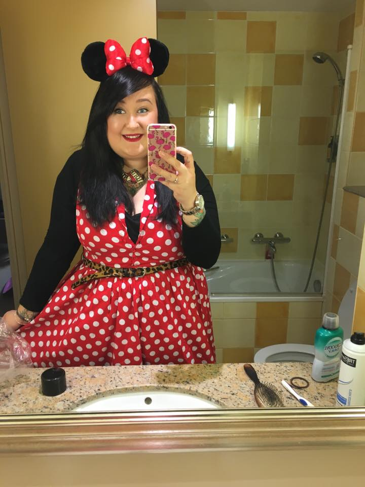 lottie_lamour_minnie_mouse_outfit