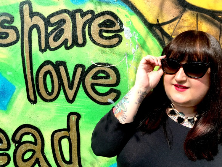 lottie-lamour-sunglasses-polaroid-review-plus-size-blogger