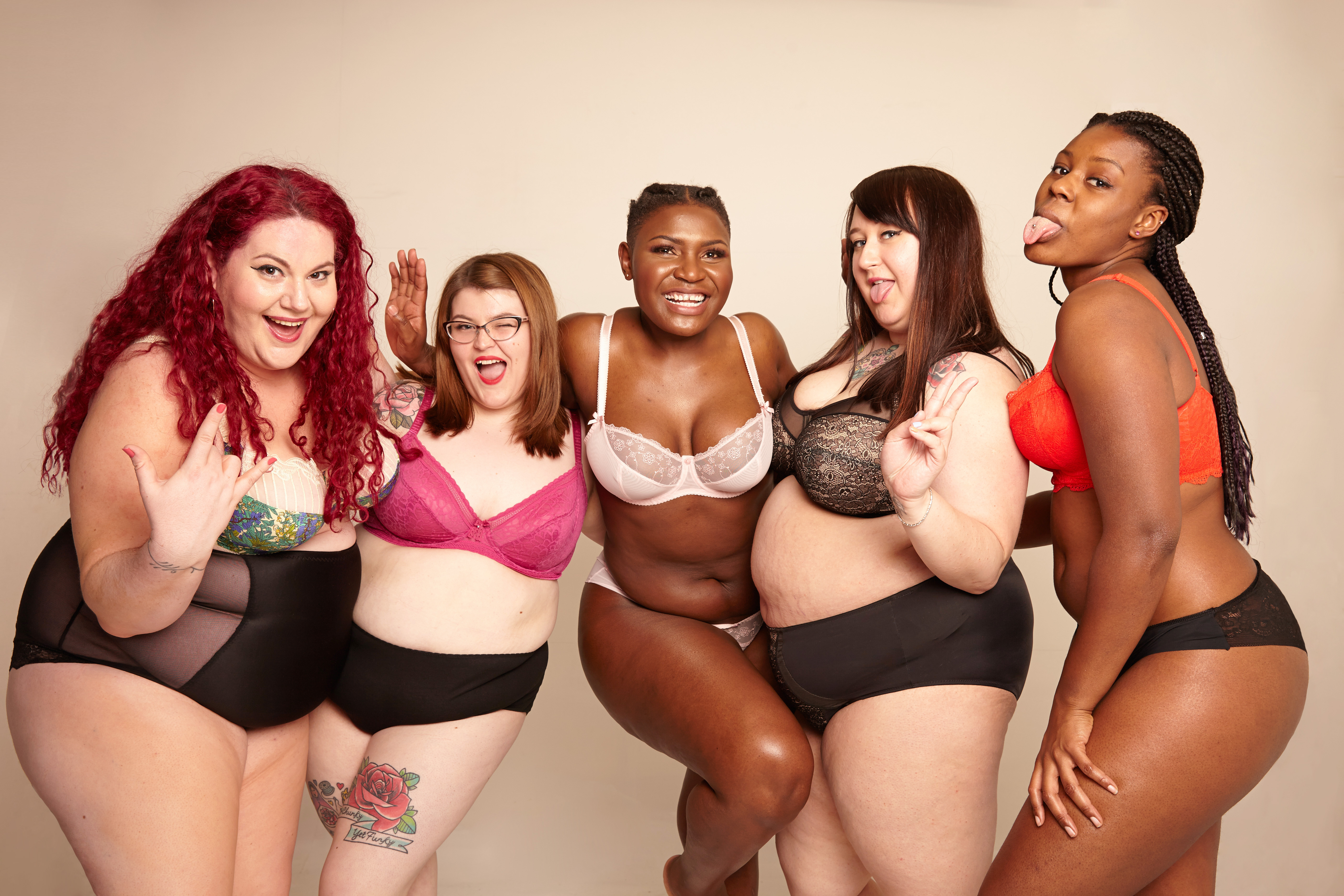 lottie-lamour-mymilla-photo-shoot-lingerie-plus-size