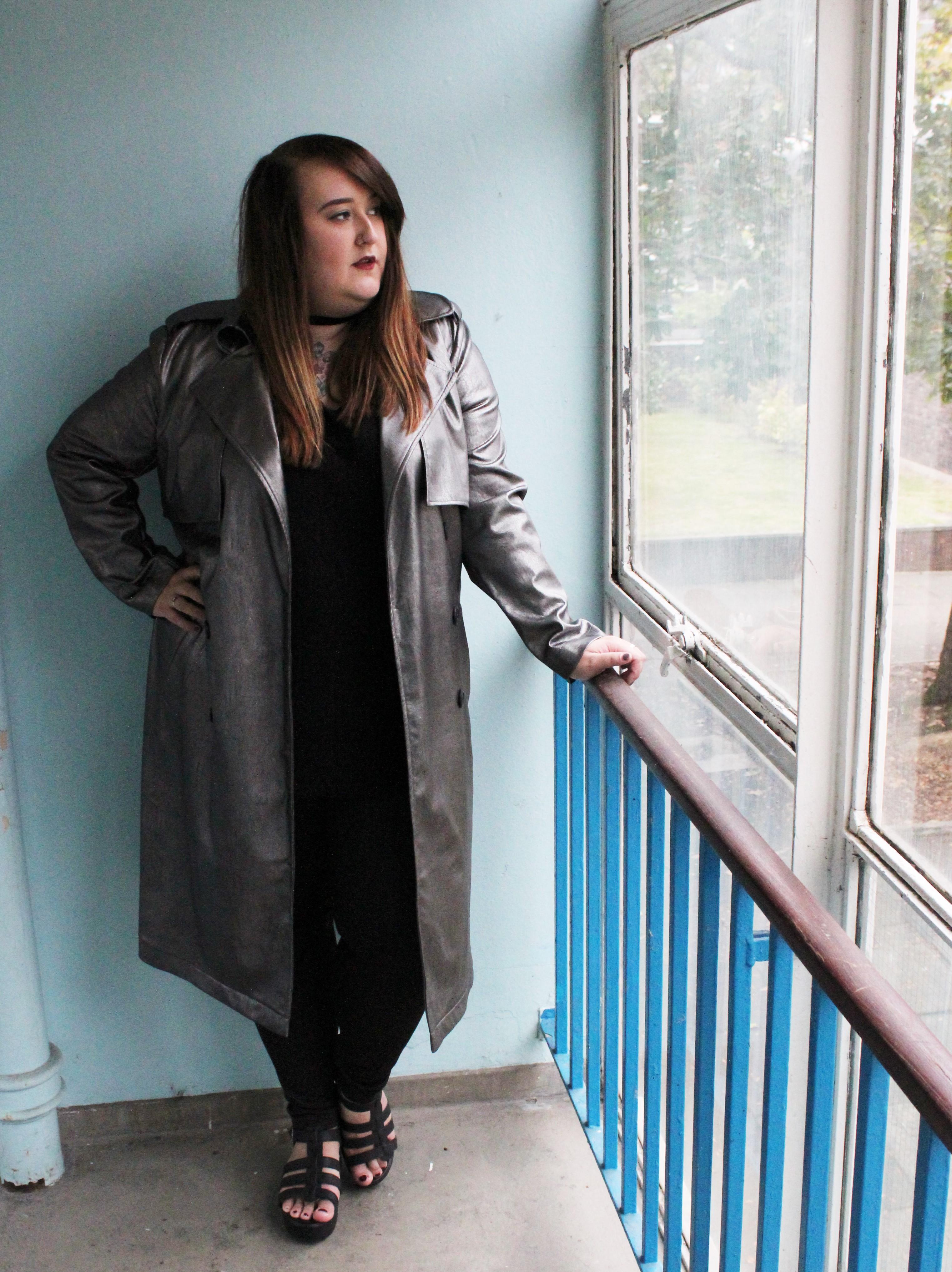 lottie-lamour-elvi-metallic-mac-trench-coat-plus-size-fashion-autumn-winter-review