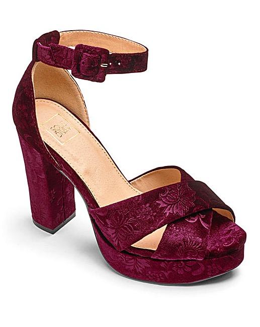 simply-be-velvet-platform-shoe-red-high-heel-lottie-lamour-review-blog