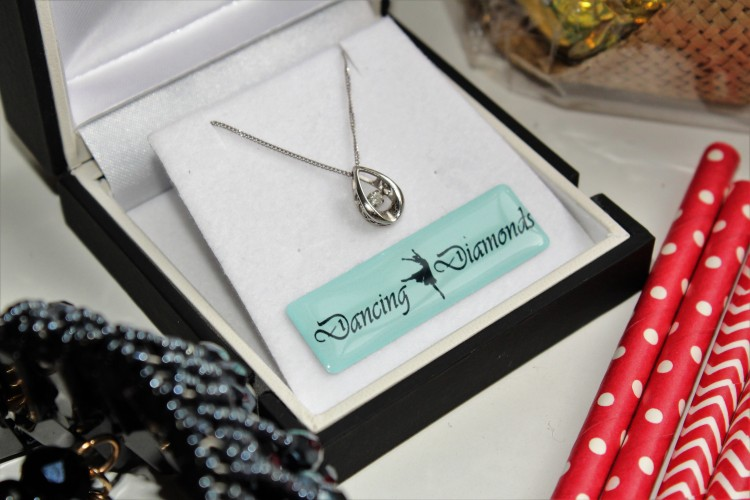 chapelle-jewellery-dancing-diamonds-white-gold-diamond-necklace-beautiful